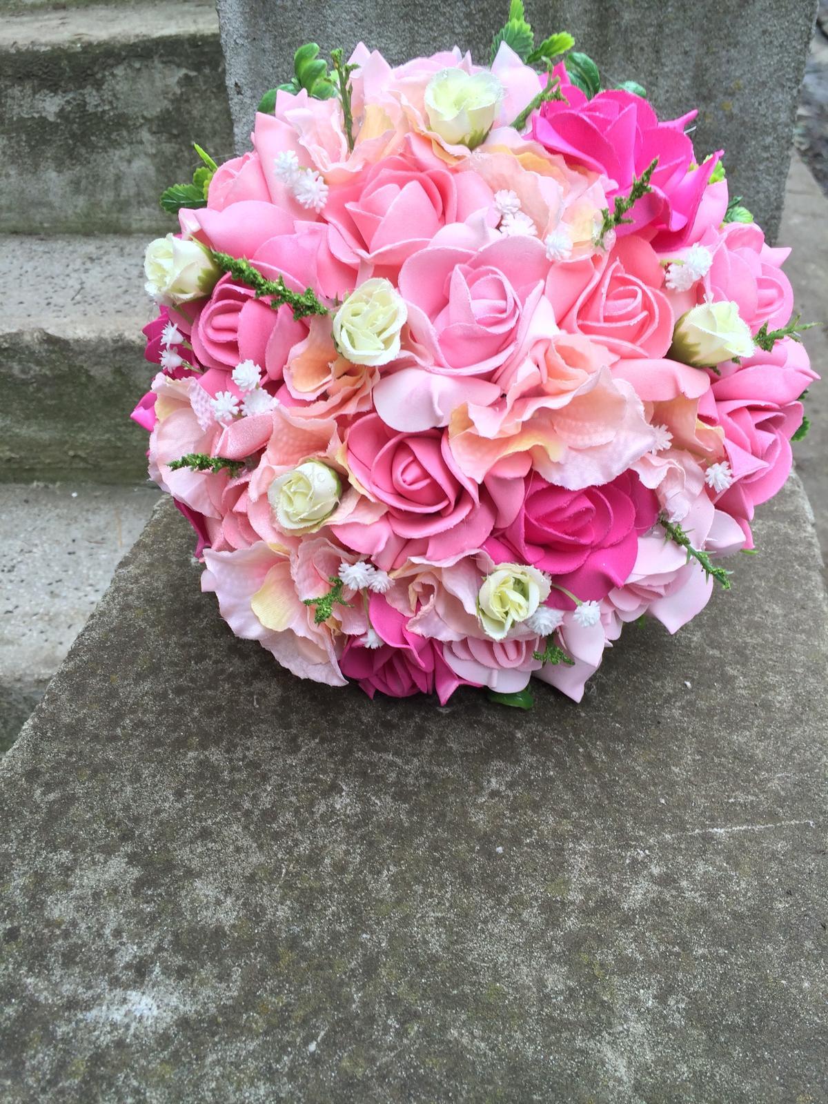 Svatební kytice z umělých květin - Obrázek č. 22