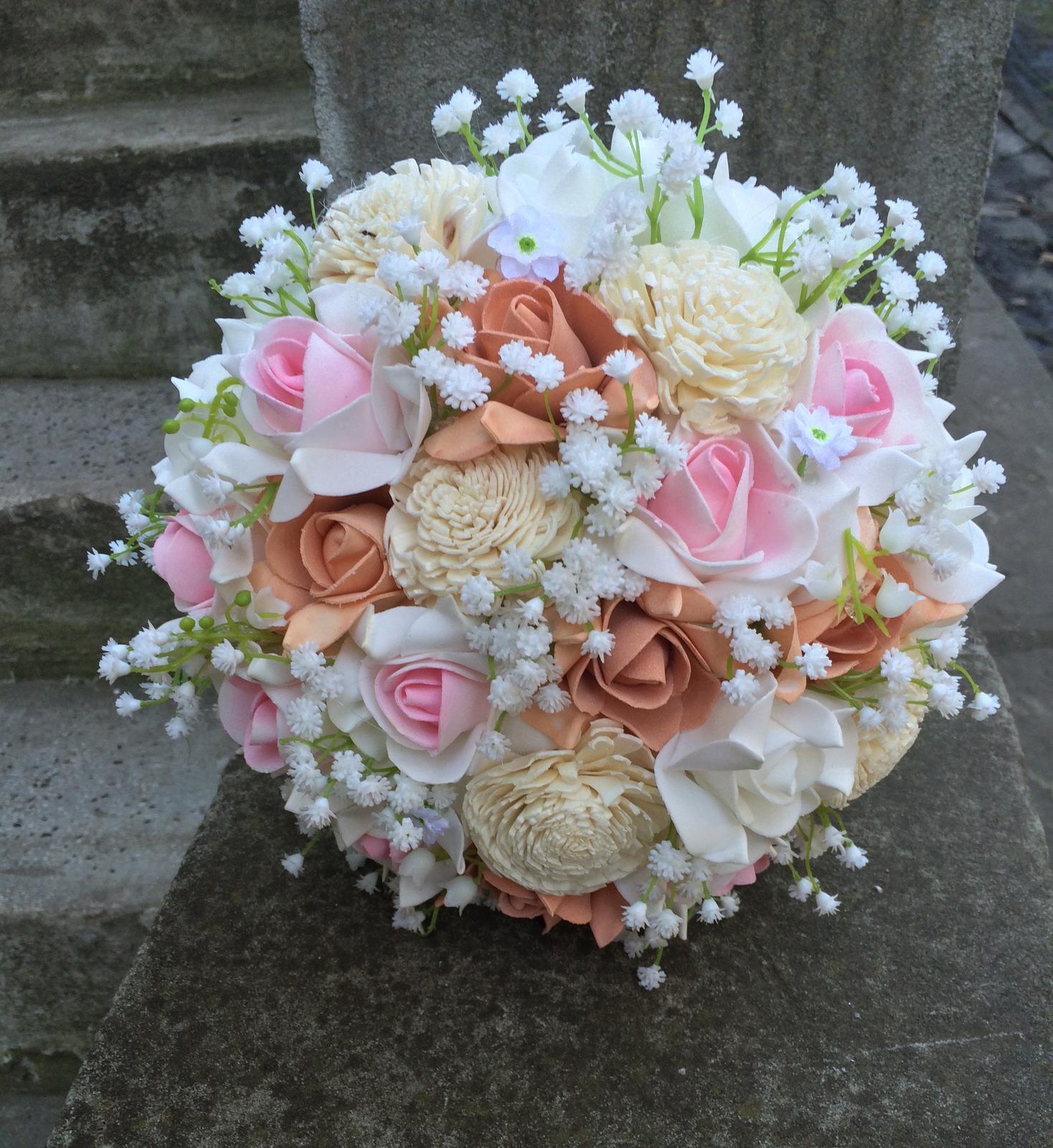 Svatební kytice z umělých květin - Obrázek č. 24