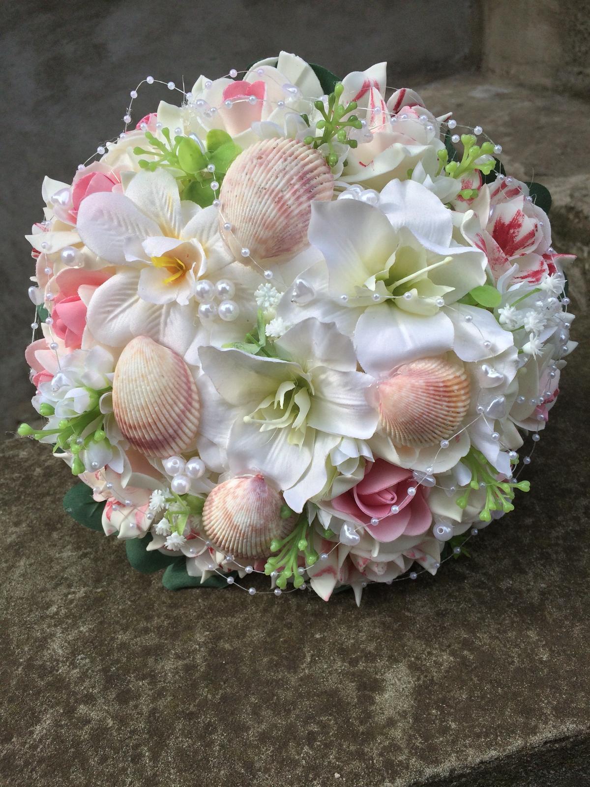 Svatební kytice z umělých květin - Obrázek č. 26