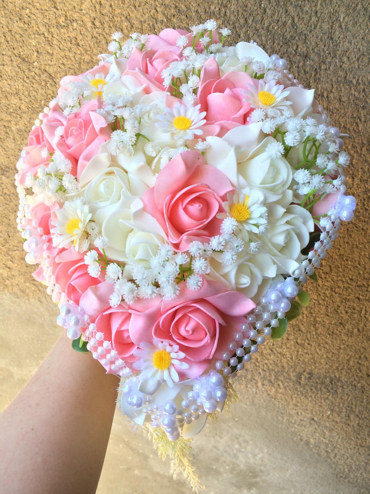 Svatební kytice z umělých květin - Obrázek č. 29