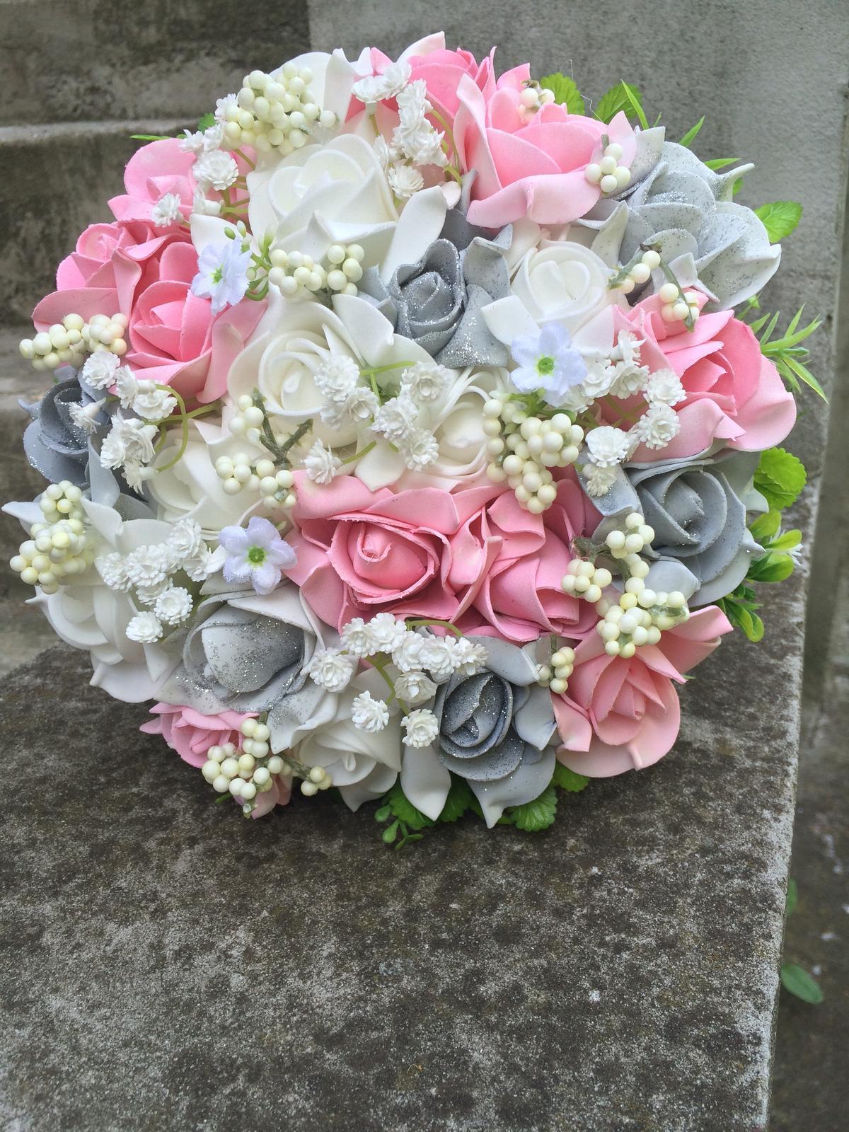 Svatební kytice z umělých květin - Obrázek č. 38