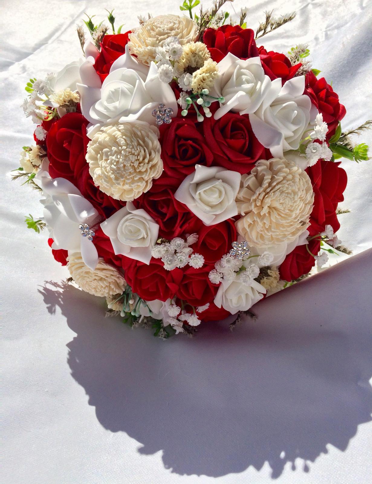 Svatební kytice z umělých květin - Obrázek č. 39