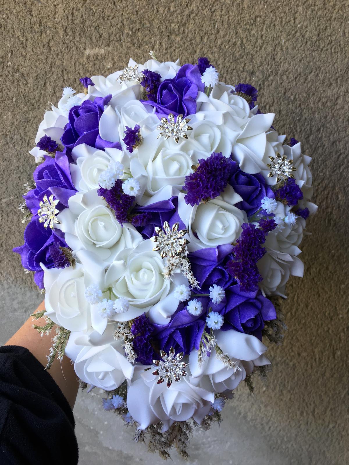 Svatební kytice z umělých květin - Obrázek č. 41