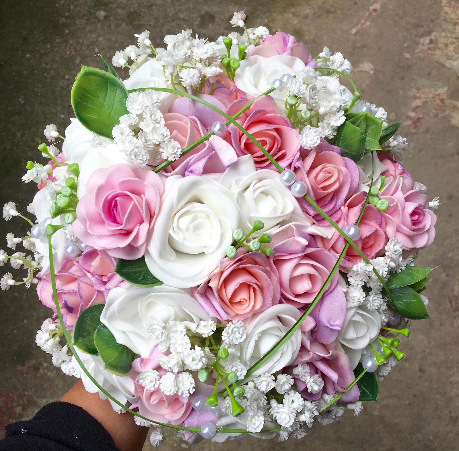 Svatební kytice z umělých květin - Obrázek č. 47