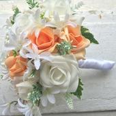 Svatební kytice + korsáž - bílo- meruňková,
