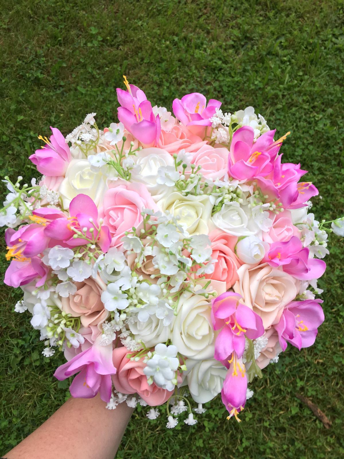 svatební kytice a korsáž pro ženicha - Obrázek č. 1