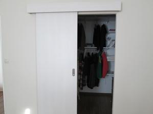 Šatníkové dvere
