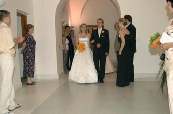 Odchod ze svatební síně