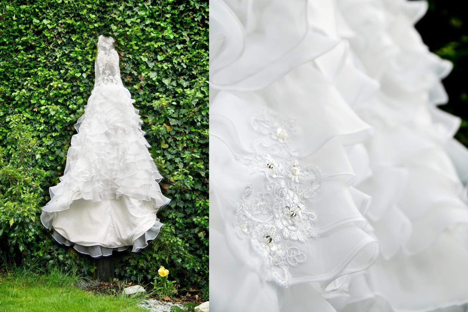 Svatební šaty s originálním střihem - 37 - Obrázek č. 4