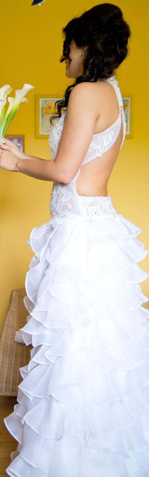 Svatební šaty s originálním střihem - 37 - Obrázek č. 3