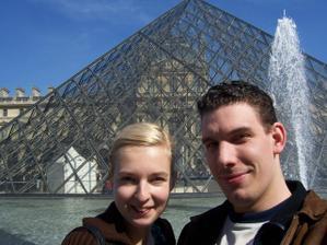 Tady jsme na zásnubách v Paříži