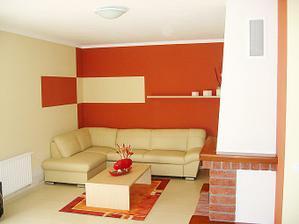 zaujímavo vymaľovaná obývačka