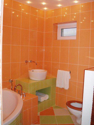 Taak toto ma absolutne dostalo - Oranžová kúpelňa - krásna