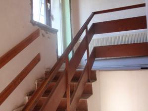 schody nahoru