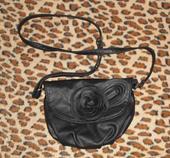 Elegantna  kabelka s ruzickou, S