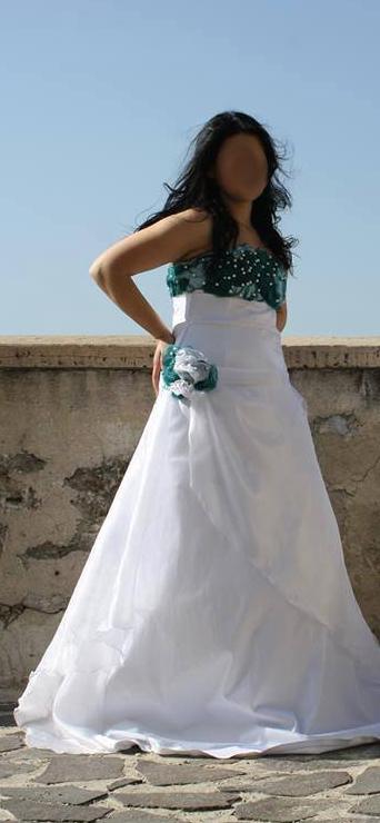 Prípravy v plnom prúde T&N - Vlastnoručne ušité svadobné šaty pred úpravou