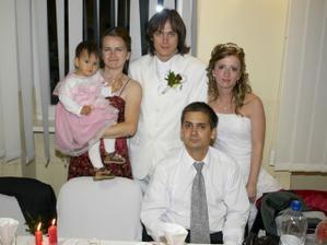 Sestička s manželom a zlatučkým Anetíkom