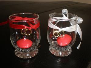Jednoduché svícínky ze sklinek z bazaru (jedna stála 5,- Kč).