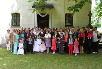 Společná před kostelem :)