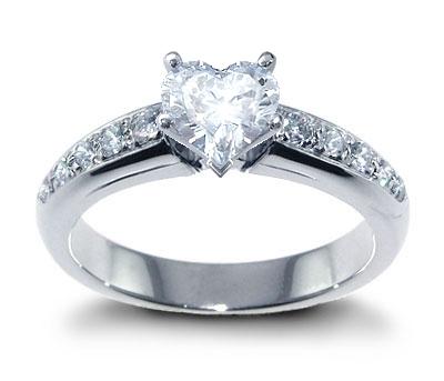Livia&rasto prípravy - krásny prsteň, niekomu som ukradla z albumu, ale je dokonalý