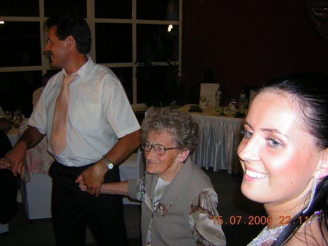 Lívia{{_AND_}}Rasťo - tancovala s nami aj moja 84-ročná babka