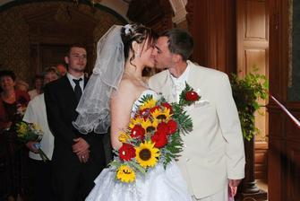 první novomanželský...