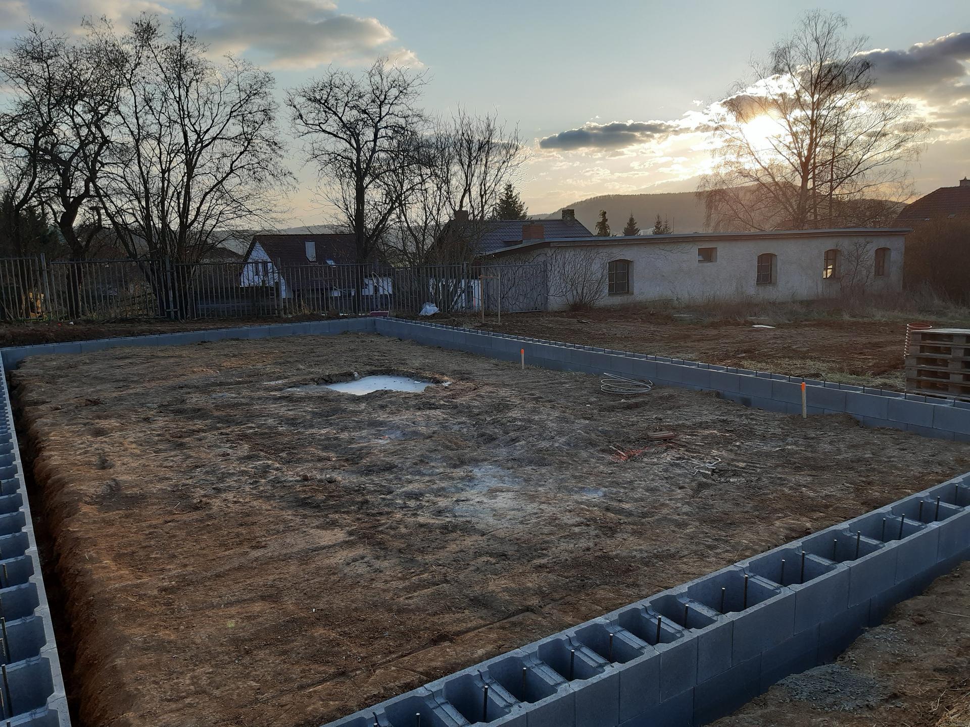 Hrubá stavba - březen - zaří 2020 - Obrázek č. 3