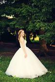 Luxusní svatební šaty + závoj, 36