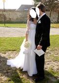 Krajkové svatební šaty s vlečkou (i pro těhotné), 38
