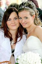 S druhou sestričkou Monikou