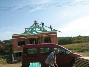 a zaciname s krovom