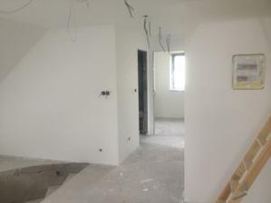 poschodie vymalovane