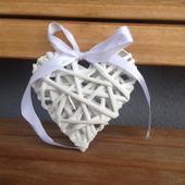 Ratanové bílé srdce s bílou mašlí 12 cm.,