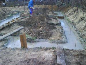 zalievanie betonu