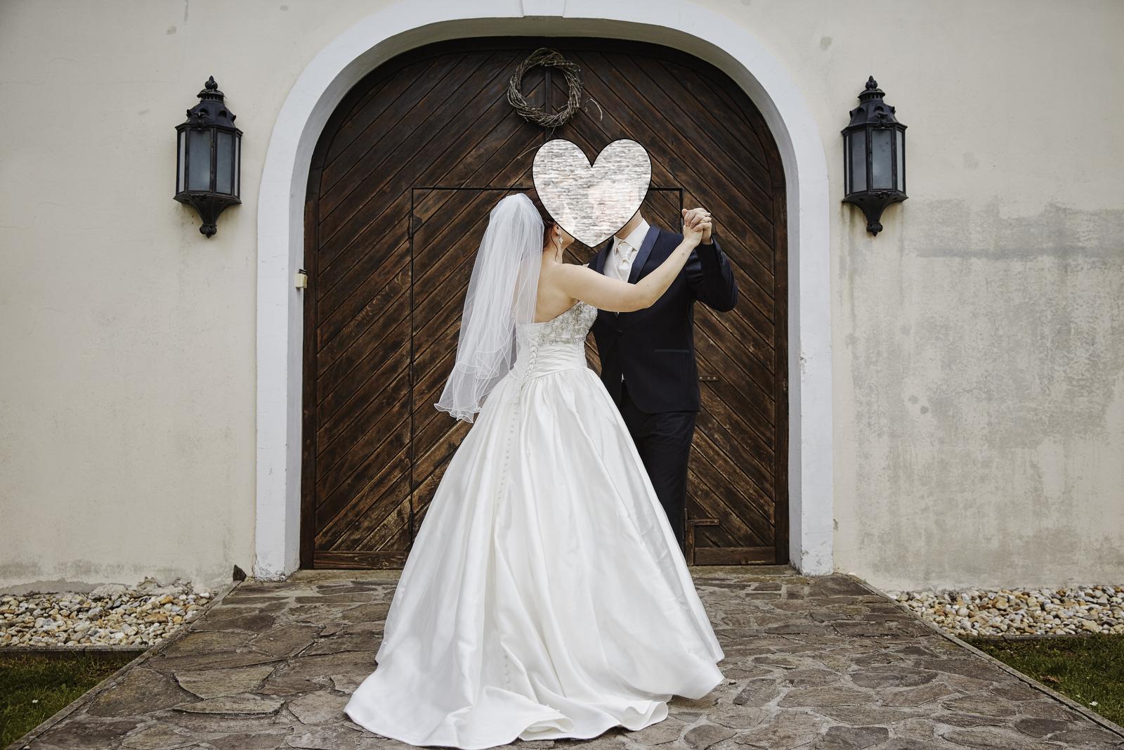 vynimocne svadobne saty - Obrázok č. 2