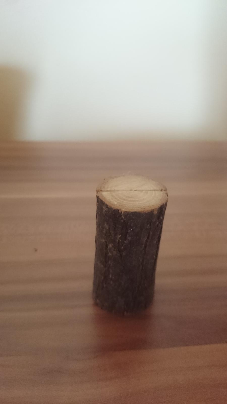 drziaky na menovky vyrobene z dreva - Obrázok č. 2