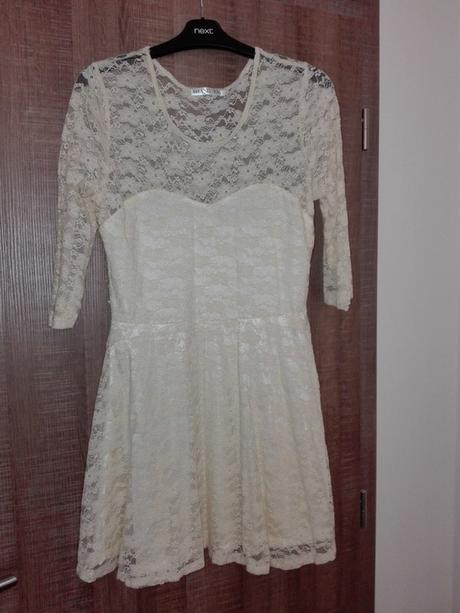 Krémové krajkové šaty - Obrázek č. 1