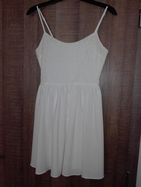 Bílé šaty na ramínka - Obrázek č. 1