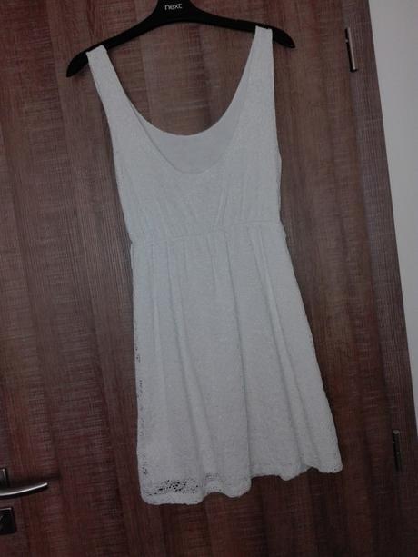 Bílé krajkové šaty - Obrázek č. 1