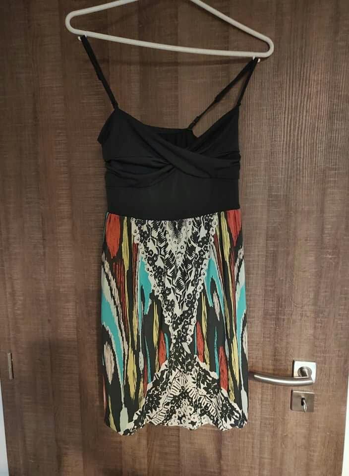 Barevné šaty Amisu - Obrázek č. 1