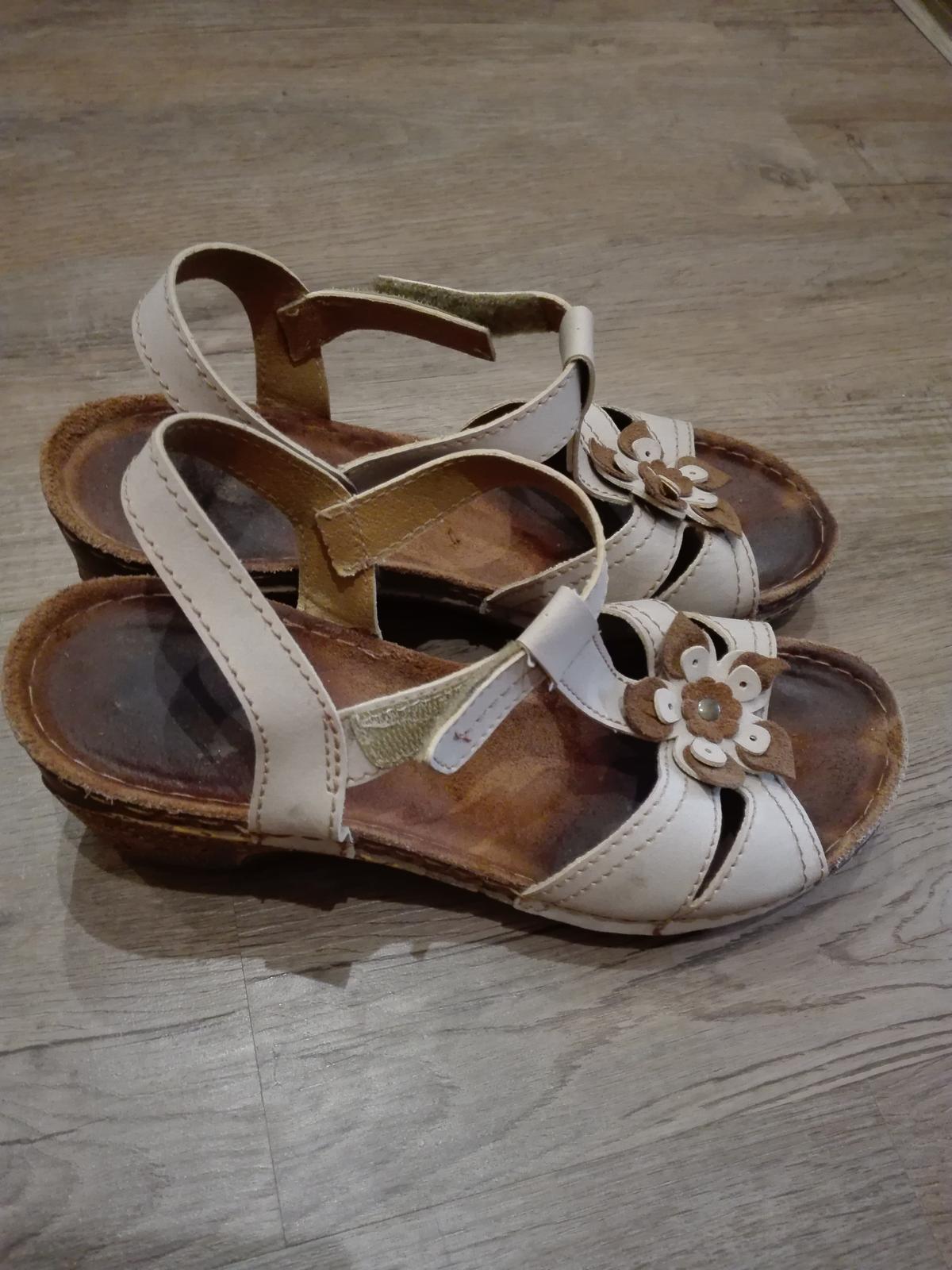 Béžové sandálky Rieker - Obrázek č. 1