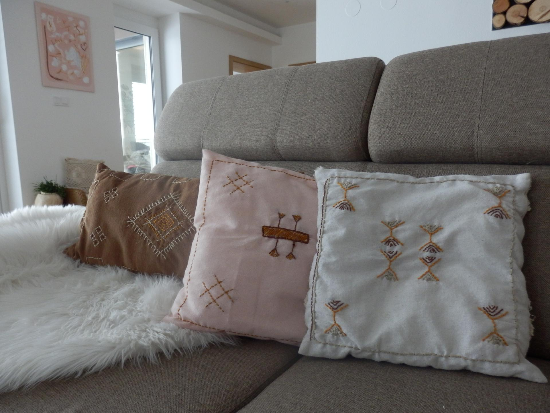 Tvoření je radost - DIY polštářky s marockými vzory - momentálně má oblíbená barevná kombinace. :-)