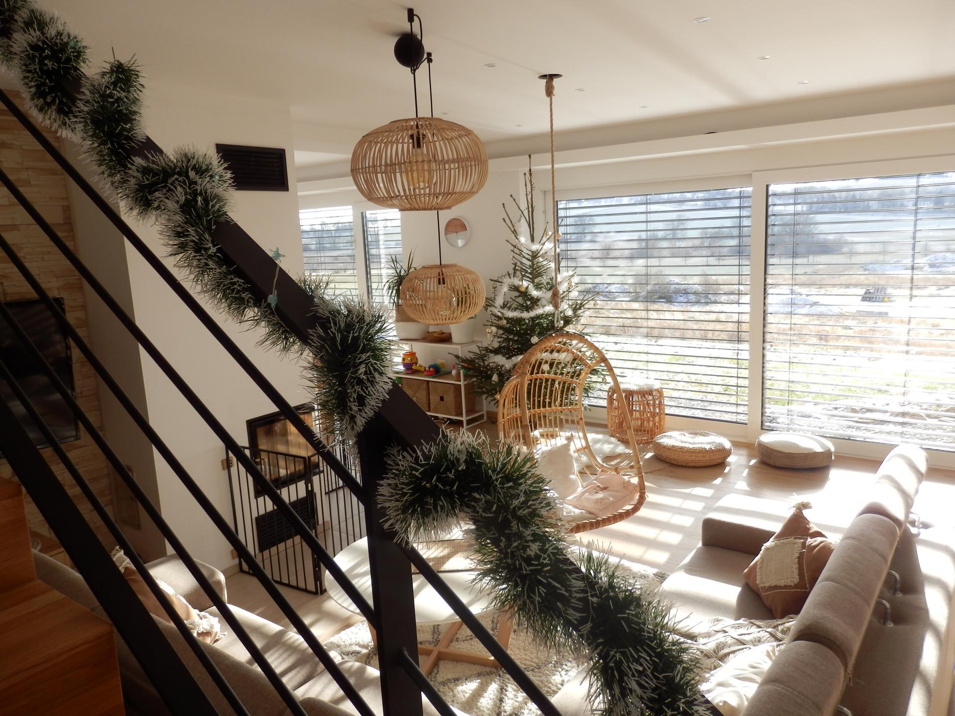 Nový DOMOV - Na naše první Vánoce v domečku jsme se moc těšili. :-)