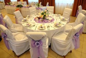 okruhle stoly...skvele...nie tabula ako v mastali:-)