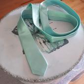 Úzká mint mátová kravata pro svatebního hosta,