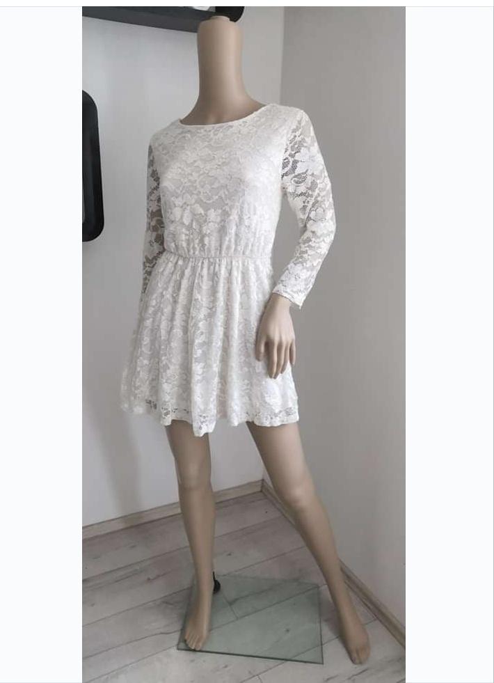 popůlnoční nebo letní šaty jednoduché krajkové - Obrázek č. 1