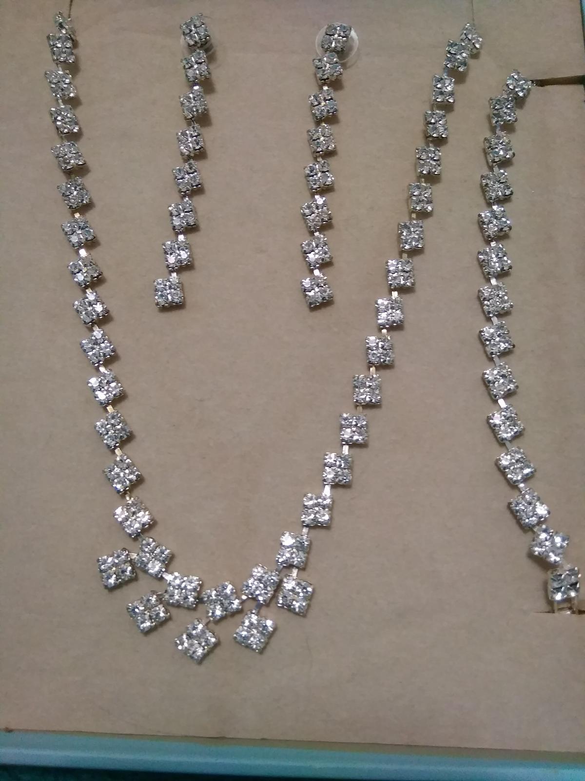 štrasový náhrdelník, náušnice, náramek - Obrázek č. 1