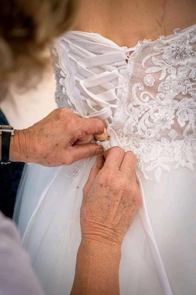 nádherné značkové svatební šaty Mori Lee 36-38, 40-42 - Obrázek č. 3