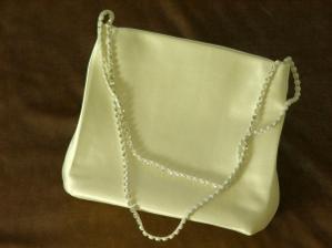 A nějakou kabelčičku na drobnosti....
