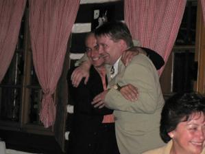 Ženich s mým tatínkem... jak říkám, bylo vážně veselo